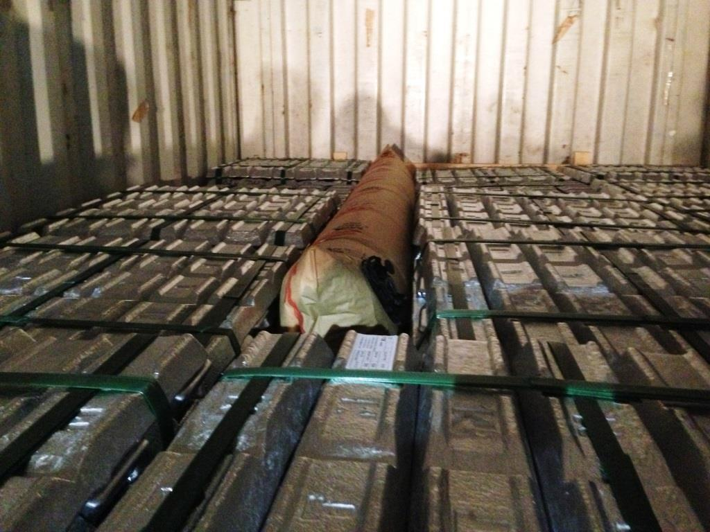PTM 5kg ingots 20 f containers.jpg